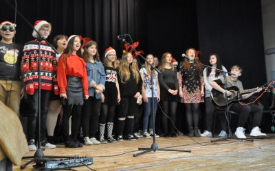 Koncert Mikołajkowy na rzecz akcji Pomóż Dzieciom Przetrwać Zimę