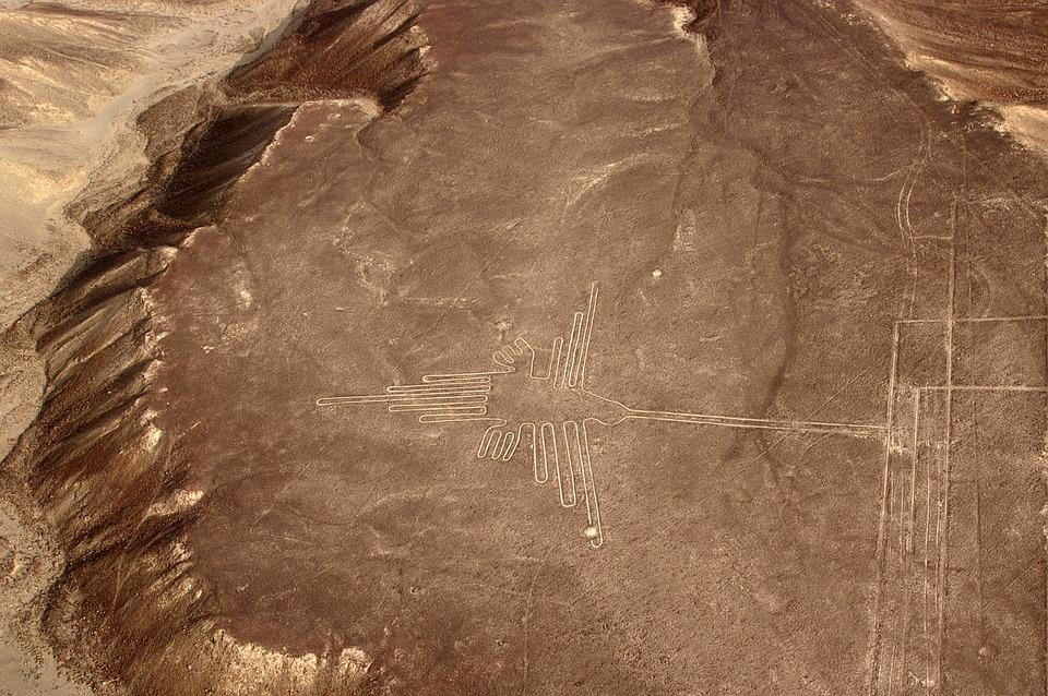 O tajemniczych liniach Nazca i pływających wyspach Uros, czyli jak klasa 8a przeniosła się na chwilę do pięknego Peru